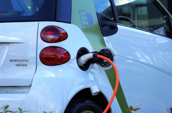 Laadpaal zakelijk elektrisch rijden